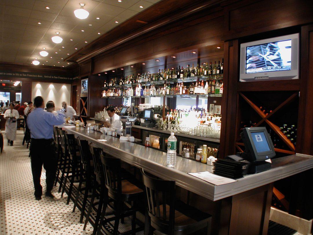 Perrys Bar: Bar Tops